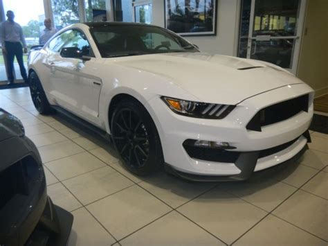 white mustang black roof 2018 ford mustang svt shelby gt350 white with black roof