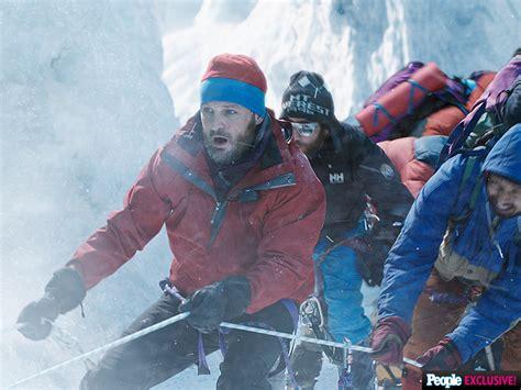 everest film how long everest first look jake gyllenhaal josh brolin jason