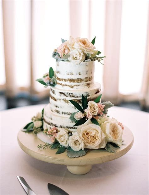 1000  ideas about Floral Wedding Cakes on Pinterest
