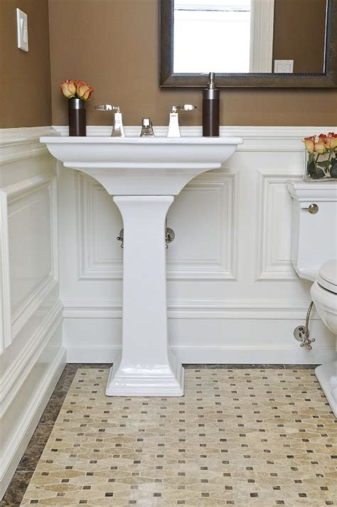 Bathroom With Wainscoting Ideas by Best 25 Wainscoting Bathroom Ideas On Pinterest