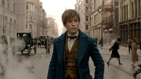 fantastic beasts and where to find them newt scamander his beasts arrive in 1920s nyc in