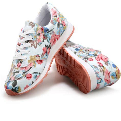 Sepatu Fashion Sneakers Wedges Flowers Shoes foryougirls jenis sepatu wanita yang wajib kalian ketahui