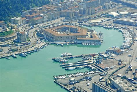 italia ancona ancona porto commerciale marina in ancona marche italy