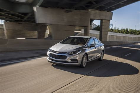 2019 chevrolet cruze pictures gm authority 2019 chevrolet cruze pictures gm authority