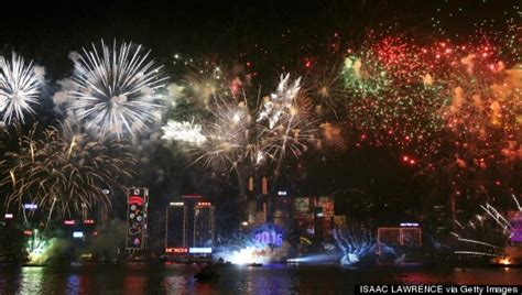 new year traditions in hong kong amazing photos of new year s celebrations around the world