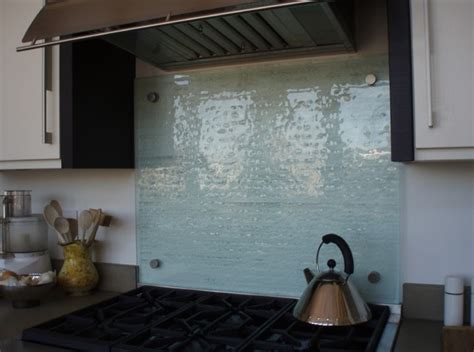 Kitchen Splash Guard Ideas by Clear Glass Backsplash For Kitchen With Beautiful Texture