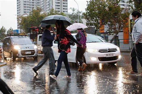 llueve en la zona centro y norte de la cdmx llueve en forma torrencial en zona cordillerana