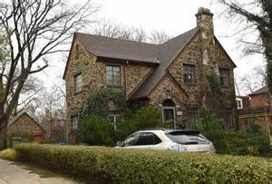 Harrison ford and his family lived in this house at 109 n washington