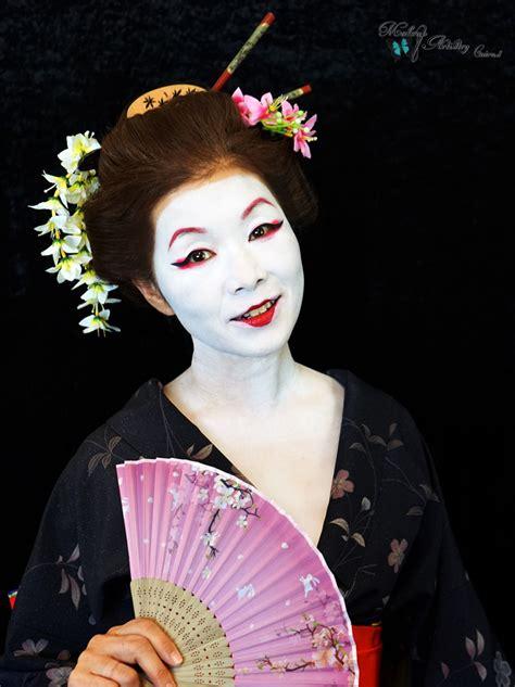 tokyo makeup artist zawachin from blogger to guru history of makeup japan geisha cairns hair and makeup