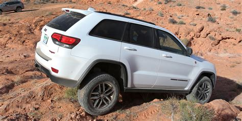 trailhawk jeep 2017 2017 jeep grand cherokee trailhawk review caradvice