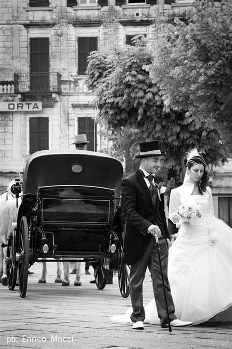 carrozza con cavalli addobbi floreali matrimonio lago maggiore