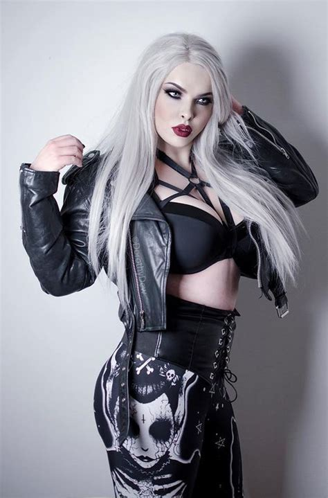 imagenes muñecas emo gotico gothic pinterest g 243 tico ropa emo y