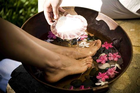 foot bathtub thai massage