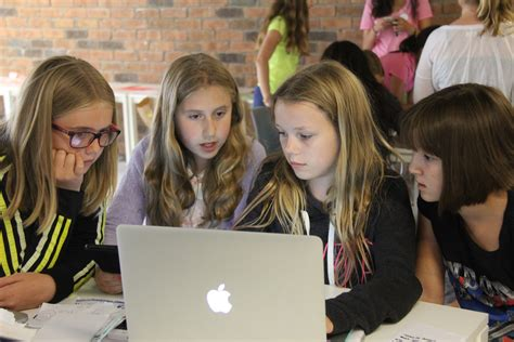 girls who code learn bring girls learning code to your community in toronto or the gta canada learning code