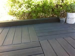 dalle de terrasse en bois nivrem terrasse bois composite noir diverses id 233 es