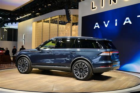 lincoln news today lincoln aviator cadillac xt4 audi rs 5 sportback today
