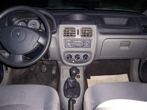 renault clio 2002 interior 2004 renault clio interior pictures cargurus