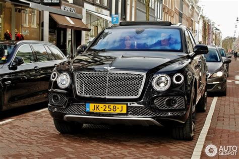 bentley bentayga silver bentley bentayga first edition 9 april 2016 autogespot