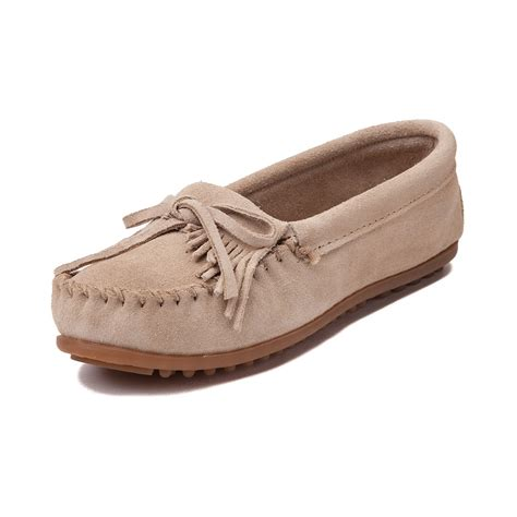 casual shoes womens minnetonka kilty casual shoe light brown 137408