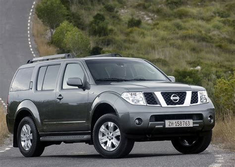 Nissan Pathfinder Photos