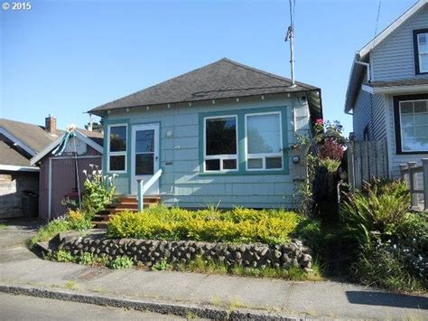 341 10th Ave Seaside Or 97138 Is For Sale Zillow Houses In Seaside Oregon