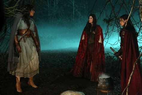 once upon a time ruby slippers once upon a time recap dorothy gale meet