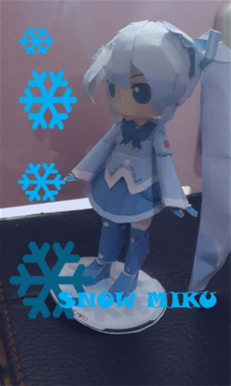 Snow Miku Papercraft - snow miku 2012 papercraft by chatarinatsp on deviantart