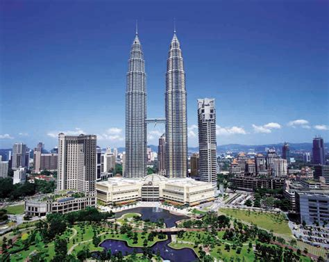 wallpaper design kuala lumpur petronas towers dreams destinations