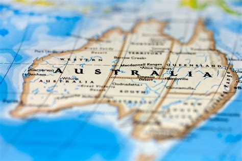 tips for aussies moving to uk travel whirlpool forums book review so you re moving to australia internations