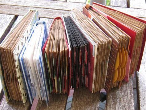 awesome ways  upcycle  books