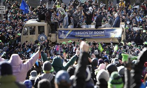 seattle seahawks fan club beast mob more than 700k celebrate seattle sb win nbc news
