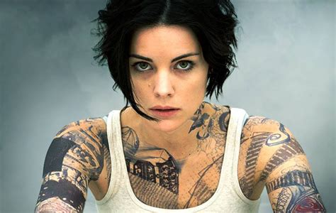 jaimie alexander tattoo nbc s blindspot tv pilot review camara oscura