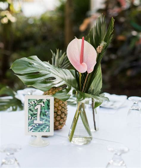Pineapple Table Decorations Best 25 Tropical Wedding Bouquets Ideas On Pinterest