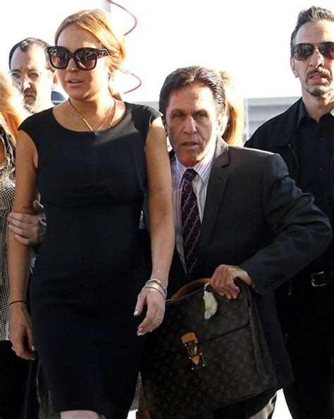 Passengers On Lindsay Lohans Ride Lawyer Up by Lindsay Lohan S Awesome New Lawyer Heller Lainey