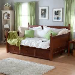 Daybed In Guest Room Pin By Gehrke On Big Room Ideas