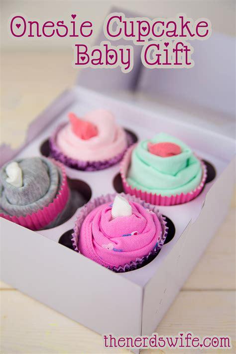 Baby Shower Onesie Cupcakes by Onesie Cupcake Baby Shower Gift
