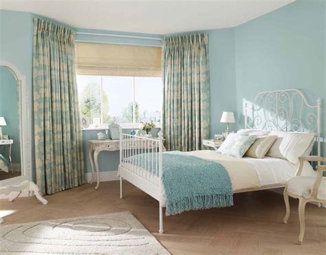 White Country Bedroom Furniture by Decorating Ideas And Refinishing Tips With White Country