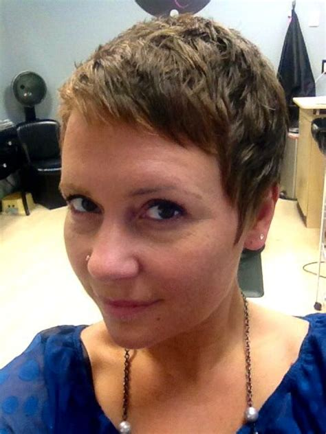 easy step by step instructions for pixie cut growing out a pixie cut a step by step guide
