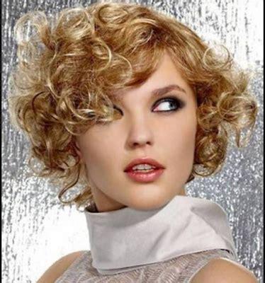 model rambut pendek  rambut keriting