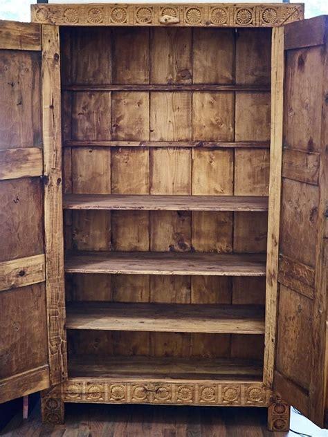 armadio di legno armadio in legno di cedro 800 armadi a prezzi scontati