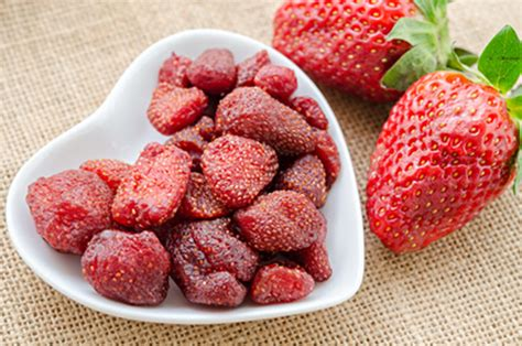 healthy oven dried strawberry candy