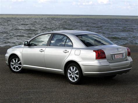 Тойота авенсис версо 2005 фото