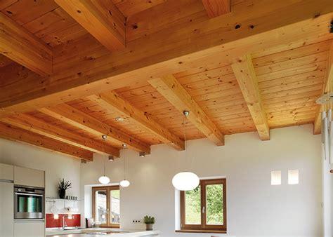 Richtiges Lackieren Von Holz by Welche Farbe Deckt Am Besten Auf Holz Ostseesuche