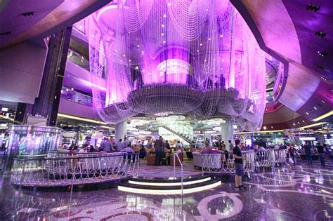 Chandelier Lounge Las Vegas Renovated Chandelier Bar Opens At Cosmo With New Comp Drink Voucher System