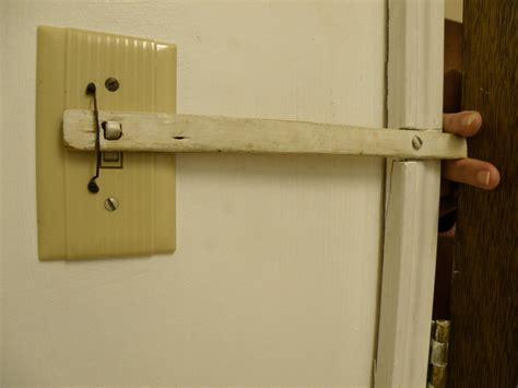 how to change a bathroom light switch steve s blog november 2008