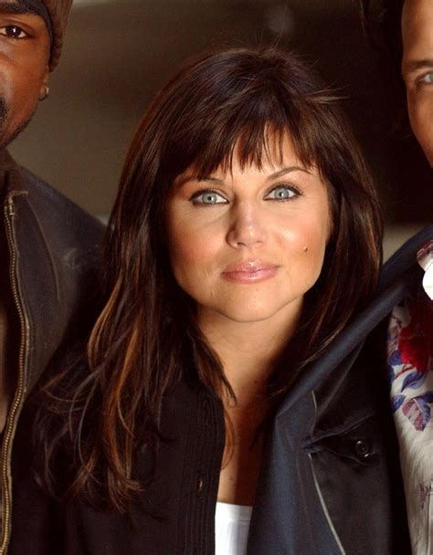 tiffani thiessen hairstyle pictures tiffani amber thiessen picture photo image 11 tiffani