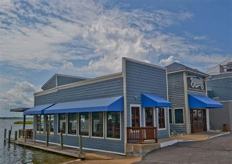 20 great restaurants virginia beach vacation guide bubbas seafood restaurant and crabhouse virginia beach
