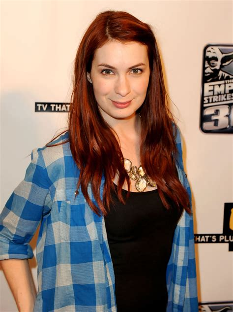 what is felicia days natural hair color felicia day hair looks stylebistro