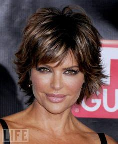 what is the hair colors in lisa rinnas hair lisa rinna actress short shag hairstyle billie reed