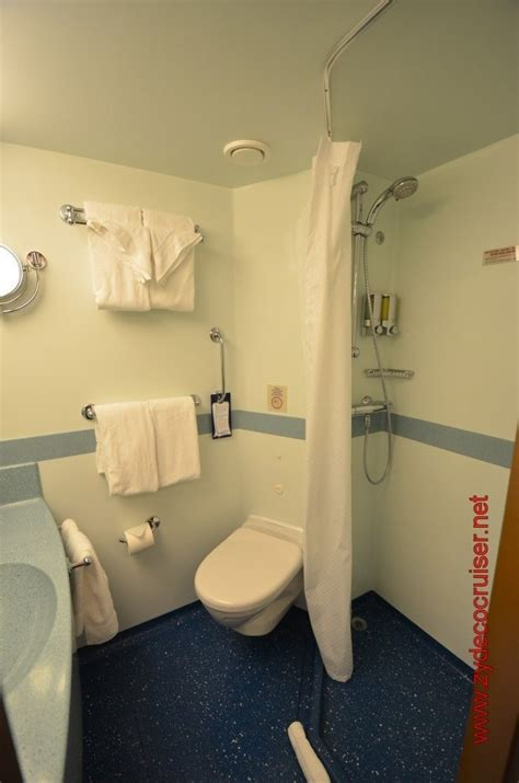 cruising bathrooms carnival cruise bathrooms www pixshark com images